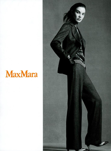 Meisel_Max_Mara_Fall_Winter_03_04_03.thumb.png.73bf2fd31b2c0a3075f6be77715f9976.png
