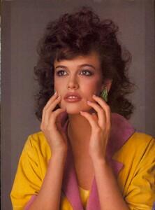 Piel_Vogue_US_March_1983_06.thumb.jpg.118ebf4ae5b8eae79be6f31edc540a95.jpg