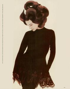 Saikusa_Vogue_Italia_July_August_1988_06.thumb.png.c6f03d47fb05b04da4c27dfa28fe6921.png