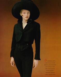 Thomas_Vogue_Italia_July_August_1988_03.thumb.png.81f3bacf40115fa1b4a72adabddb5355.png
