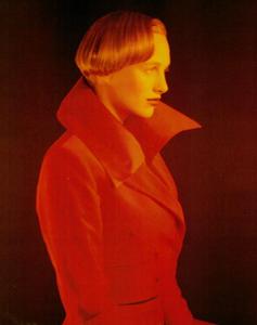 Thomas_Vogue_Italia_July_August_1988_04.thumb.png.1a15516c8006a807b00361f8556ea15a.png