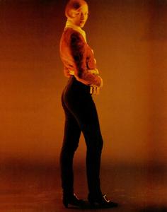 Thomas_Vogue_Italia_July_August_1988_08.thumb.png.cc4fc565c0c593fdd05acb75ad1b9dc1.png