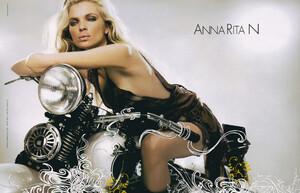anna_(2).thumb.jpg.2f7d7259132a589402259dd75628e5fb.jpg