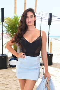 anne-de-paula-si-mix-off-at-the-model-mixology-competition-in-miami-beach-07-14-2019-8.jpg