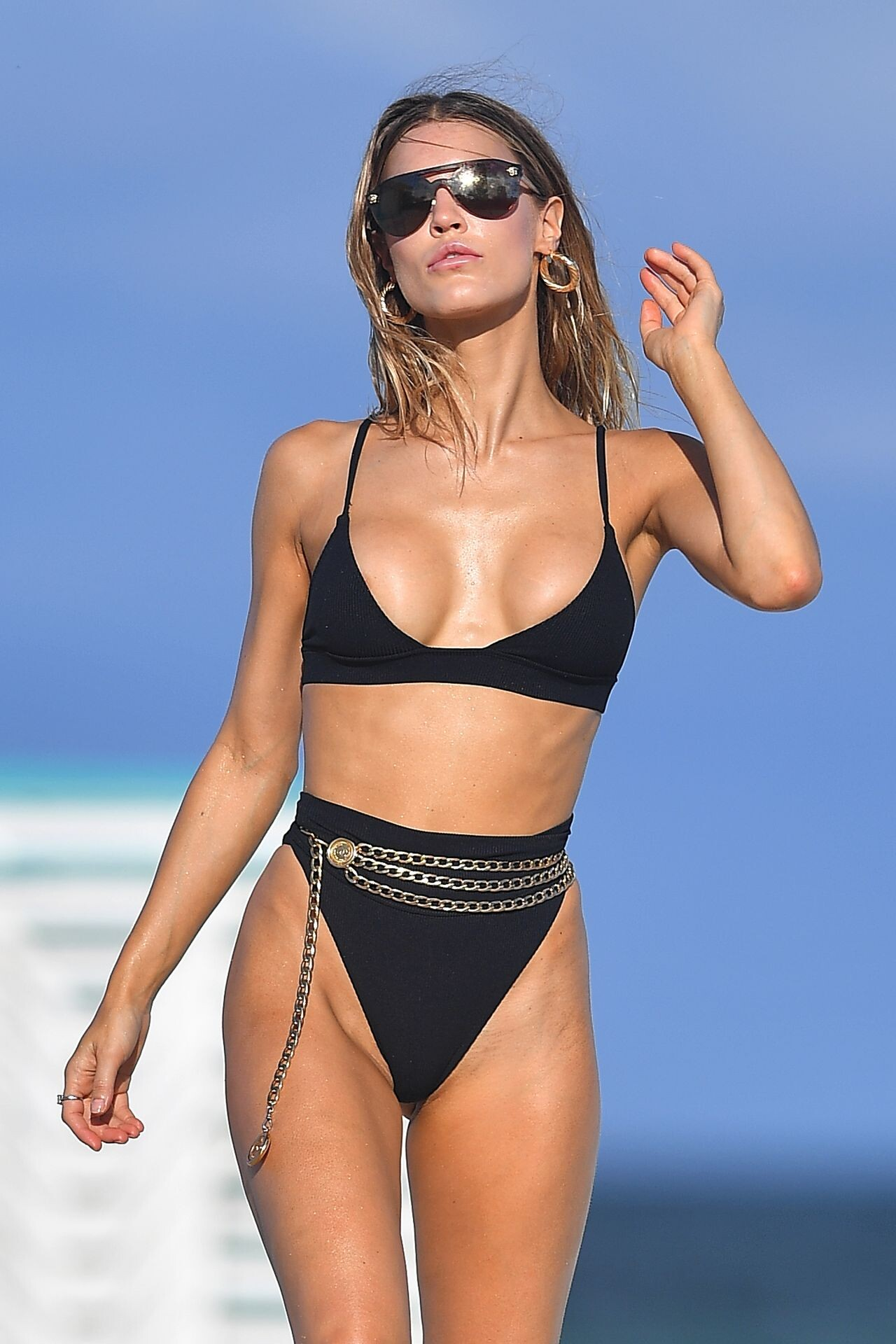 joy-corrigan-bikini-photoshoot-on-the-beach-in-miami-07-15-2019-14.jpg.101559b317ebf1e8b44c19705146cb93.jpg