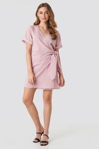 nakd_overlap_knot_mini_dress_pink_1100-001874-0115_03c.thumb.jpg.8e995ddd08c2e693b276c44ef317c54c.jpg