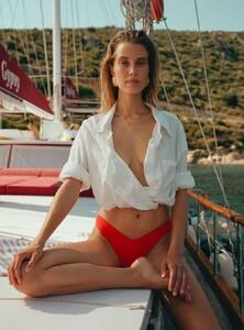 z-Firat-Meric-Catharina-Zeitner-Elle-Turkey-+(8).jpg