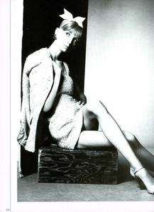 Charme_Meisel_Vogue_Italia_March_1994_03.thumb.png.912c193829a424c8ffc4b49c91c80fc7.png