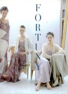 Hommage_Elgort_Vogue_Italia_March_1994_02.thumb.png.3d764ac823a12901eed8630295733832.png