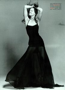 Ritratti_Comte_Vogue_Italia_March_1994_05.thumb.png.9b4684d7508d790e108a8da80ed36cc5.png