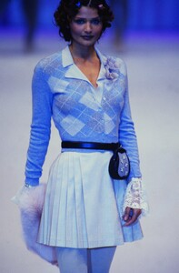 fashion-photography-archive-image-work-image----batch25----fullSize----103930_103930-14_0065_fs.jpg.thumb.jpg.ab7a6dd0cf4200fa740d2d0a8a49c0d1.jpg