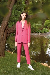 00033-Red-Valentino-Ready-To-Wear-Spring-2020.thumb.jpg.535dc6b6ee4930fc944b2e72bdd0c58f.jpg