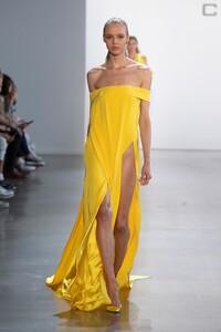 00041-Cong-Tri-Ready-To-Wear-Spring-2020.thumb.jpg.0a6c7815269e50e5b7427373ccaf76da.jpg