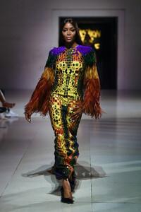Naomi+Campbell+Runway+Fashion+Relief+London+lp-I_SoQ5dsx.jpg