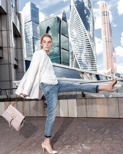 Alexandra Porfirova - maison adore 15.jpg