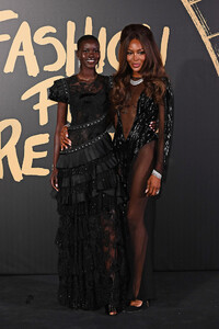 Naomi+Campbell+Red+Carpet+Arrivals+Fashion+iAoQaxoPwhYx.jpg