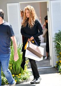 Tyra+Banks+Gabrielle+Union+Out+Los+Angeles+SBviBs3YKnyx.jpg