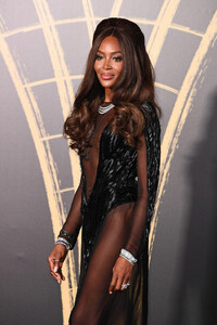 Naomi+Campbell+Red+Carpet+Arrivals+Fashion+W-eHOrixuOlx.jpg