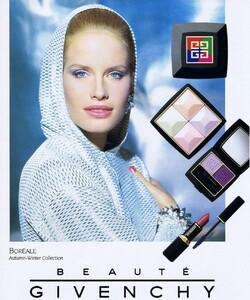 Givenchy 1992 01.jpg