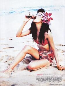 908364652_Vogue-May1995(5-1995)USAtropicalpunchbyellenvonunwerthst-camillanickersonh-wardm-fulviafarolfi1.thumb.jpeg.c623f6fecb5c13d3fff0fed6763b43ba.jpeg