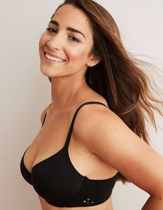 Aly-Raisman-for-Aerie-x-Aly-Collection-2019-01.thumb.jpg.8c47ef9f951f22377239efe41bbe09a2.jpg
