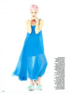 Colours_Saikusa_Vogue_Italia_March_1994_05.thumb.png.cbcb6b2de01eeea59720f08443994674.png