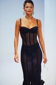 fashion-photography-archive-image-work-image----batch16----fullSize----104004_104004-24_0001_fs.jpg.thumb.jpg.076dc00033374df64c172b39df5c195b.jpg