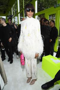 Naomi+Campbell+Valentino+Front+Row+Paris+Fashion+S3Rk8Nelqpux.jpg