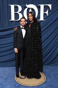 Naomi+Campbell+Business+Fashion+Celebrates+HxUeyx5sjdix.jpg