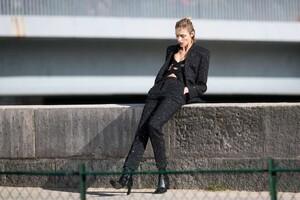 Anja-Rubik---On-a-Photoshoot-for-Vogue-Magazine-11.jpg