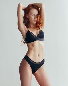 Laura-Roivainen-53.thumb.jpg.b2cea2ffbef69bfb27558ebee0ee8b03.jpg