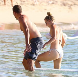 caroline-wozniacki-slips-into-a-white-bikini-while-enjoying-a-beach-day-with-husband-david-lee-in-barbados-281019_25.jpg
