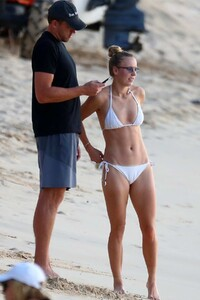 caroline-wozniacki-slips-into-a-white-bikini-while-enjoying-a-beach-day-with-husband-david-lee-in-barbados-281019_6.jpg