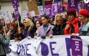 alexandra-lamy-laetitia-casta-les-femmes-marchent-contre-les-violences-2-950x600.thumb.jpg.2aabdb282fb1144b50d5763532bce4ea.jpg