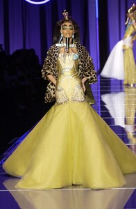 christian-dior-spring-2004-couture-00060h-diana-gartner.jpg