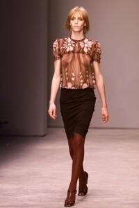 miu-miu-fall-2001-ready-to-wear-00110-hanelore-knuts.jpg