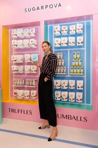 Maria+Sharapova+Meet+Greet+Candylicious+ZbTcQqE7vdVx.jpg