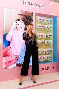 Maria+Sharapova+Meet+Greet+Candylicious+pJfgGKooc7Jx.jpg