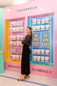 Maria+Sharapova+Meet+Greet+Candylicious+v7hzv5Tplwnx.jpg