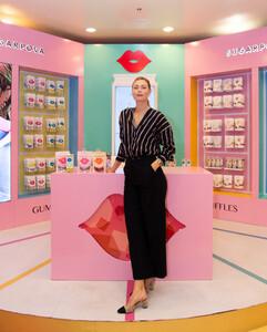 Maria+Sharapova+Meet+Greet+Candylicious+CYl23vft0b3x.jpg