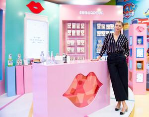 Maria+Sharapova+Meet+Greet+Candylicious+Rap0Q2k171Hx.jpg