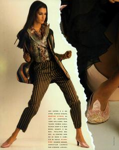 Chin_Vogue_Italia_March_1991_03.thumb.png.c3516264b451beb359c452136fd35cb4.png
