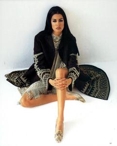Chin_Vogue_Italia_March_1991_06.thumb.png.f18c45d89ec118031219997e1fcd381a.png