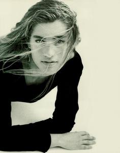 Davies_Ixia_Promotional_Vogue_Italia_July_August_1988_04.thumb.png.99f0b1f731c4c642e5fe0d0e0360d53b.png