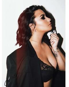 Demi-Lovato-by-Angelo-Kritikos-Photoshoot-2019-adds-04.thumb.jpg.f0a836535e027c6173fcda34743603bd.jpg