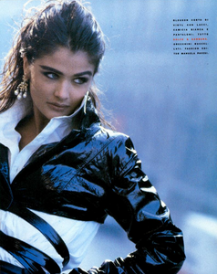 Kirk-Vogue-Italia-March-1991-02.thumb.png.032ce9cd4f948e3bff501d15edb88bfa.png