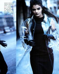 Kirk-Vogue-Italia-March-1991-04.thumb.png.fe95d2fa95adb1993e49a63a8a845de5.png