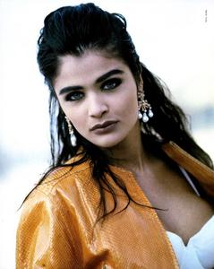Kirk-Vogue-Italia-March-1991-05.thumb.png.7972e5bb1dfe6903c5f2a283f62f621b.png