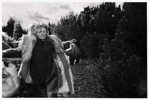 Klara-Kristin-Coat-Editorial03.jpg