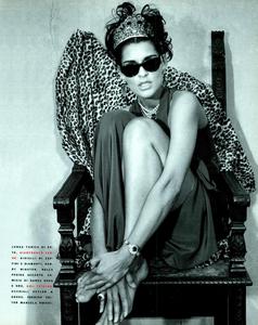 Maser_Vogue_Italia_February_1991_02.thumb.png.11f32f77ec759856331e911a104826c3.png